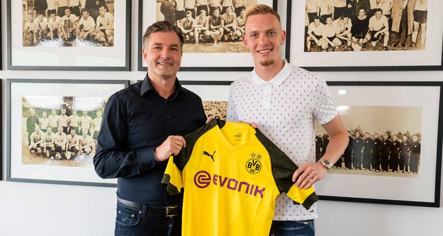 Официально: Мариус Вольф подписал контракт с Боруссией Дортмунд до 2023-го года