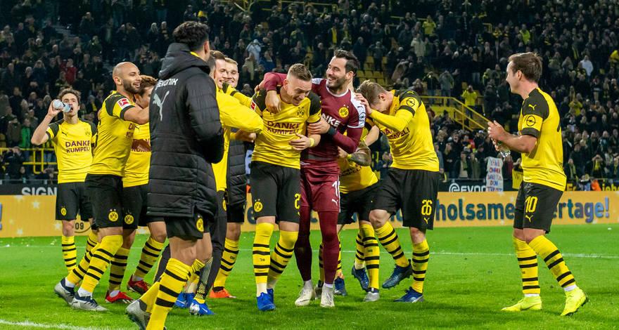 2:1 - «Боруссия» из Дортмунда побеждает тезок из Менхенгладбаха