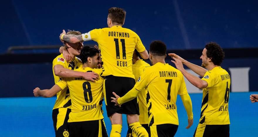 Бундеслига (22-й тур): «Шальке» Гельзенкирхен - «Боруссия» Дортмунд. После матча. Шальке 0-4.