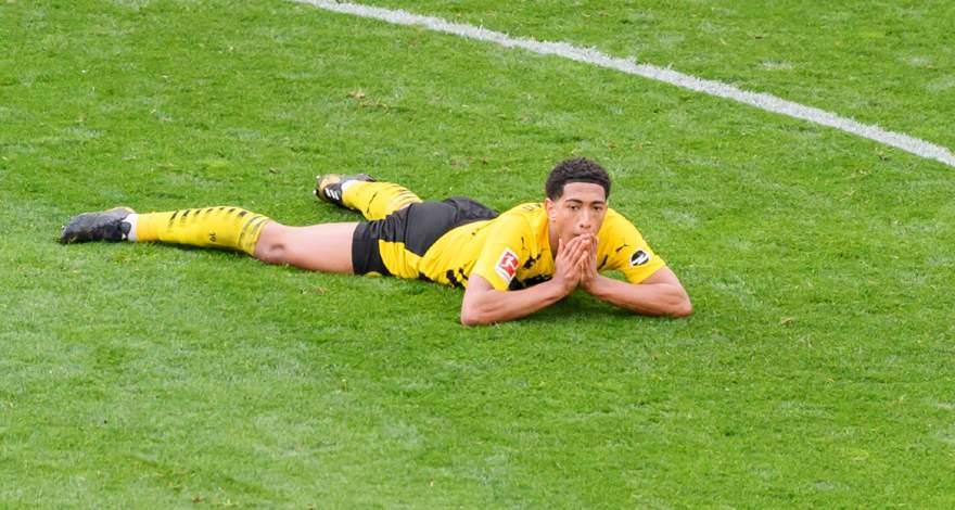 Бундеслига (27-й тур): «Боруссия» Дортмунд - «Айнтрахт» Франкфурт-на-Майне. После матча. Отставание от зоны Лиги Чемпионов увеличивается.