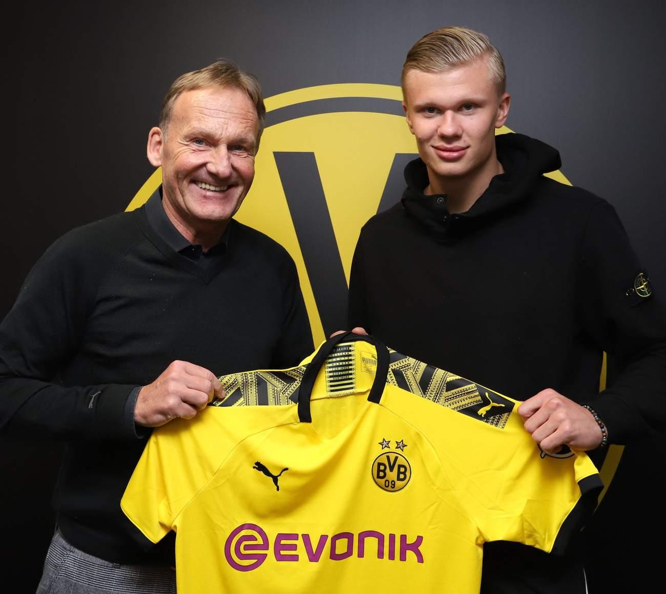 Эрлинг Холанд подписал контракт с «Боруссией» до 2024 года.