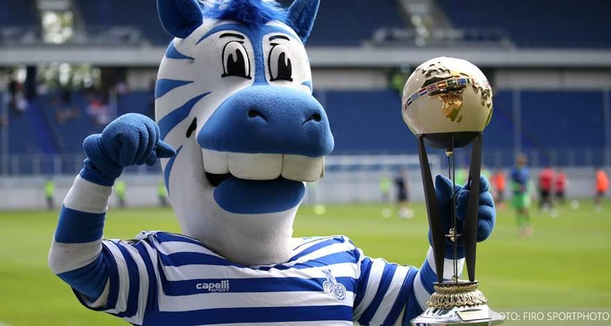 «Кубок традиций» в Дуйсбурге: «Фейеноорд» выиграл турнир. «Боруссия» провела два разных матча.